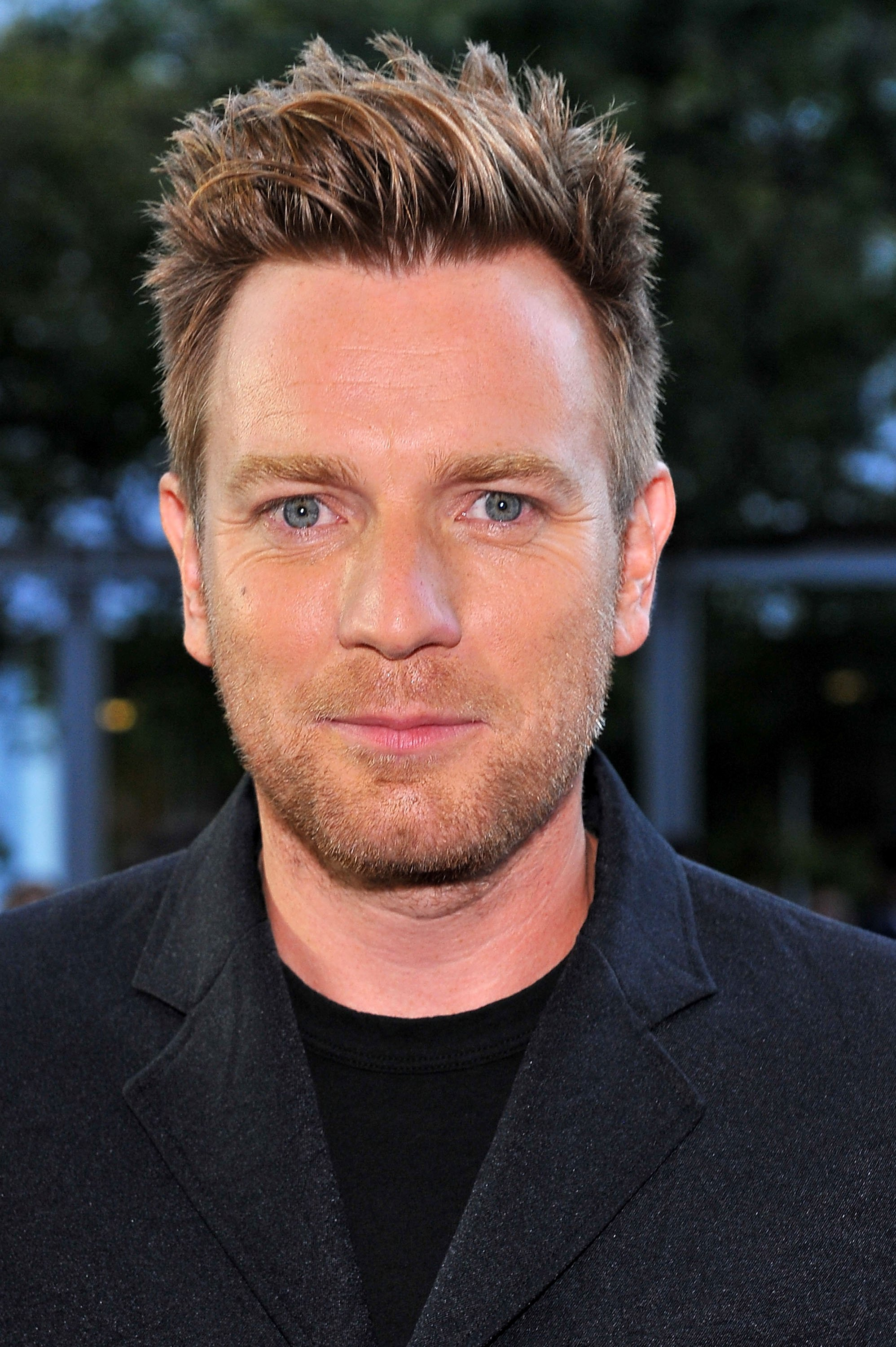 Auditioned for drama school and was accepted at londons guildhall school of music and drama with ewan mcgregor and